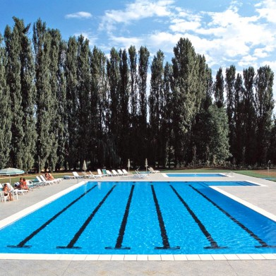 Piscine Bluespring par Laghetto